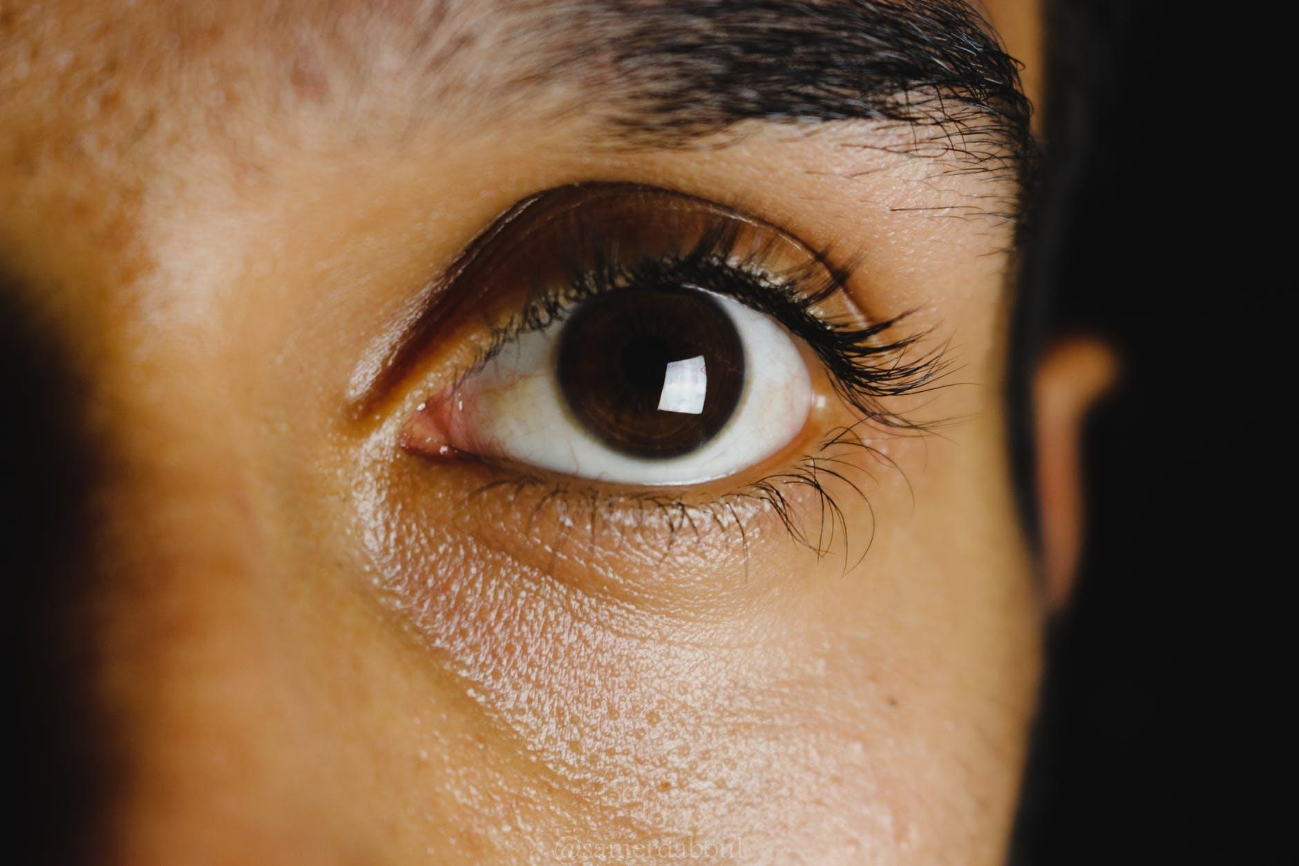 Con ojos de hombre